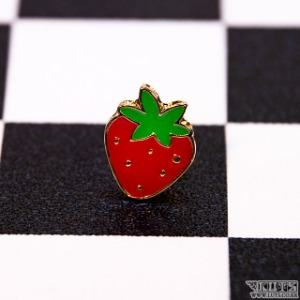 Badge (Strawberry)